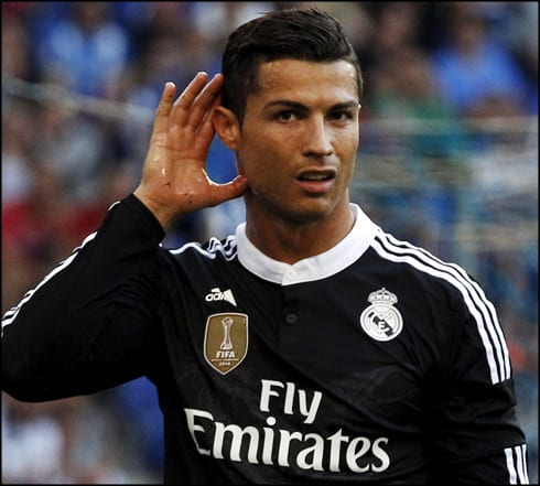 1010-cristiano-ronaldo-reacts-to-the-fans-booing-him