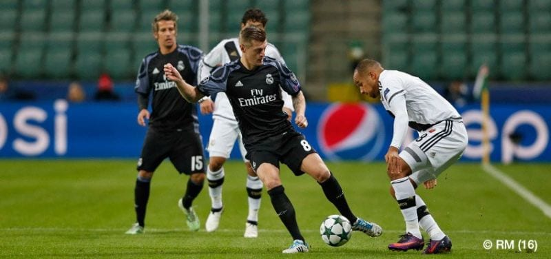 Toni Kroos vs Legia (Foto Real Madrid)
