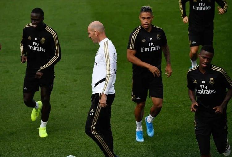 La unidad B de Zidane