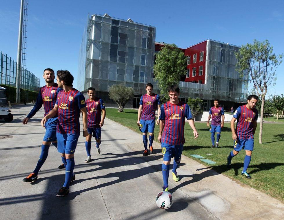 Jugadores del FC Barcelona en La Masía.