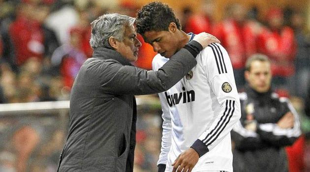 Mourinho y Varane.