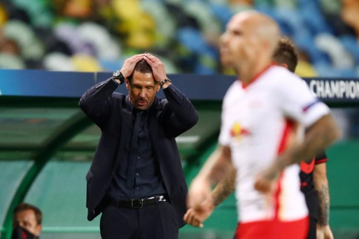 Diego Simeone se lamenta.