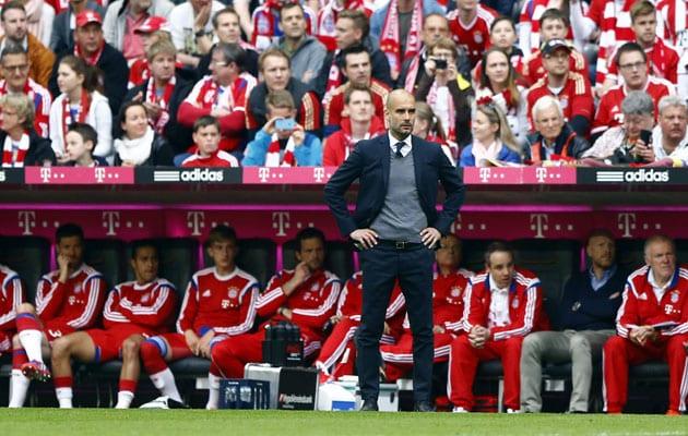 Guardiola dirigiendo al Bayern de Múnich.