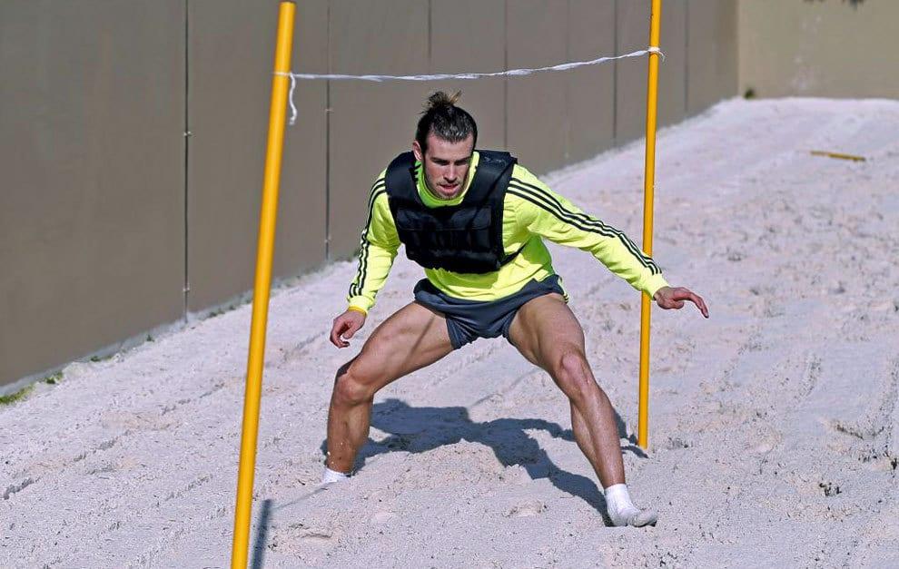 Bale entrenando.