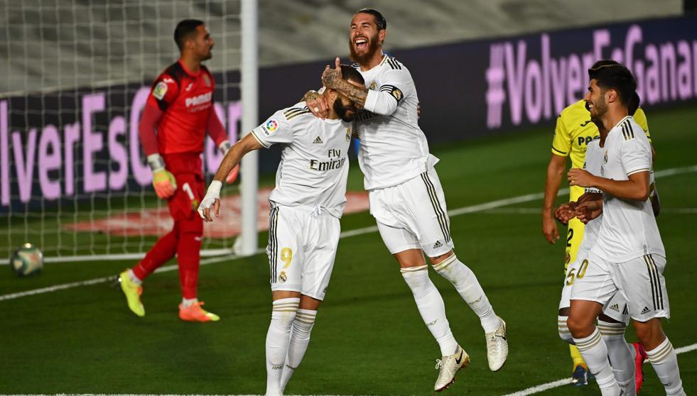 Benzema, Ramos y Asensio celebran un gol.