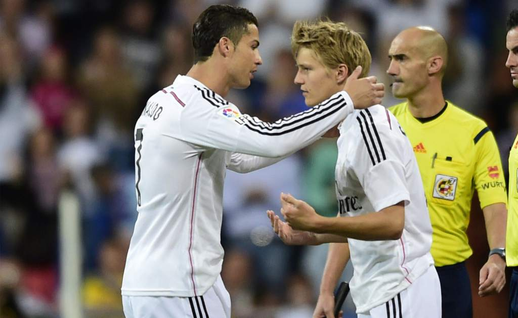 Cristiano y Odegaard.