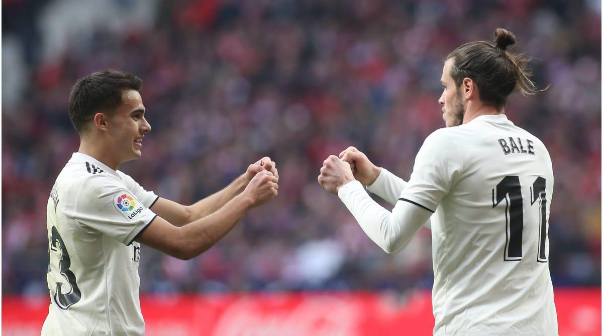 Reguilón celebra con Bale