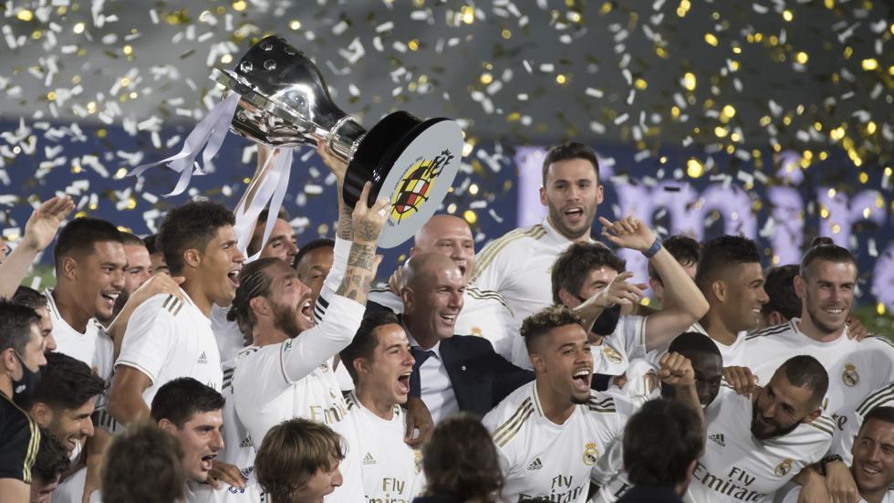 El Real Madrid celebra la Liga 2020.
