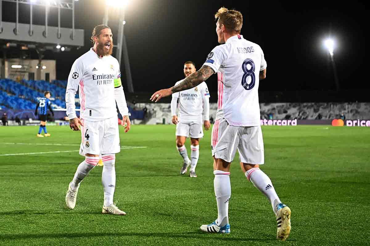 Ramos celebra gol con Kroos