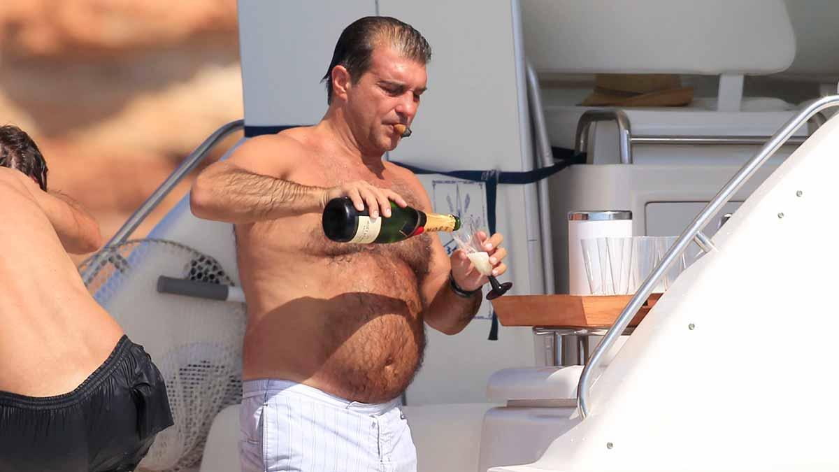 Laporta puro champán yate