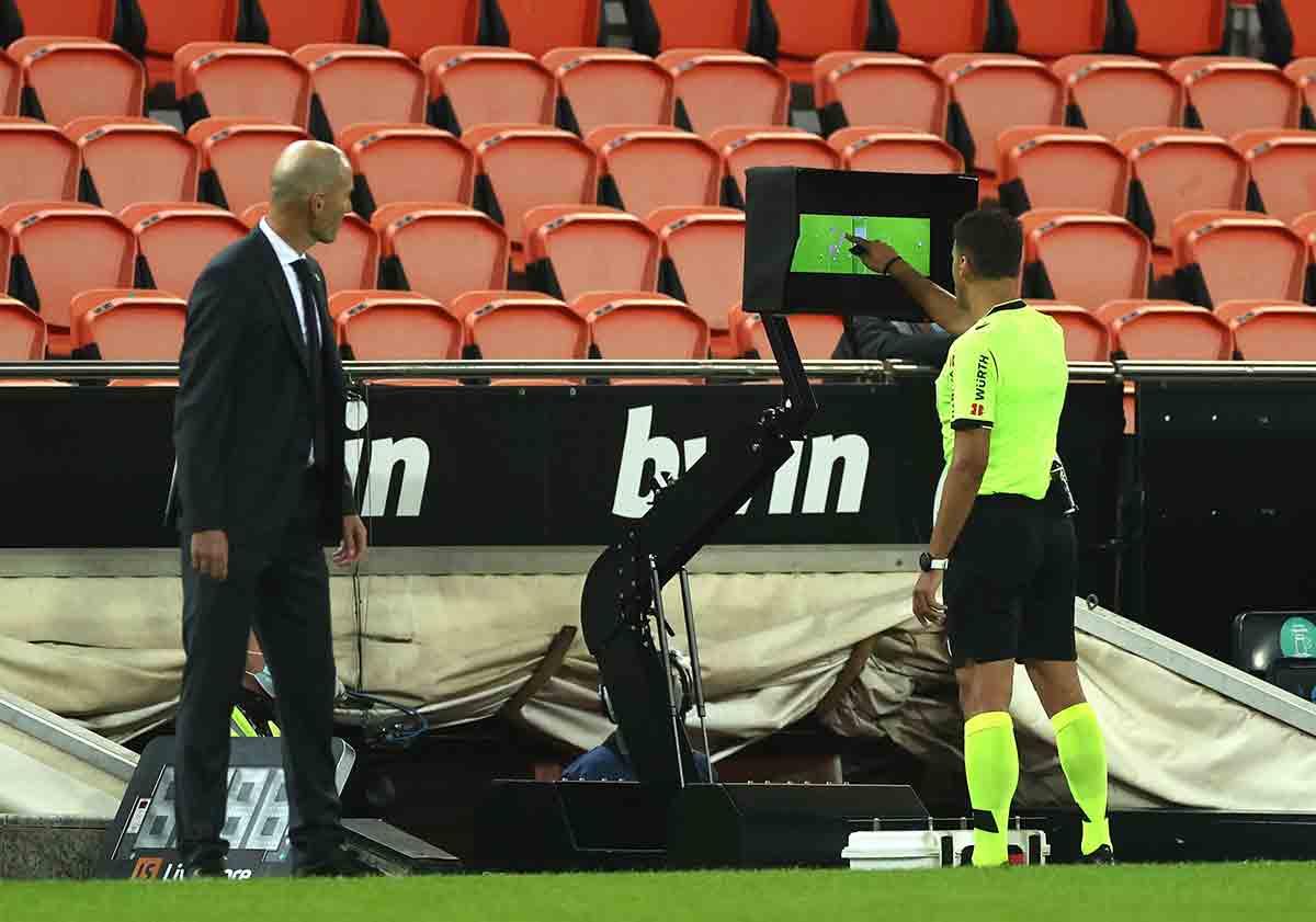 Zidane VAR