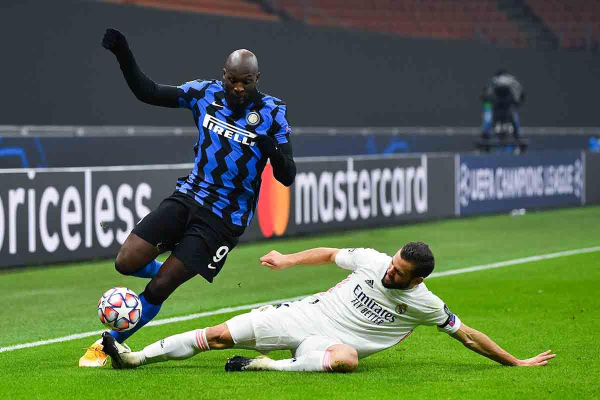 Nacho Real Madrid Lukaku Inter Milán