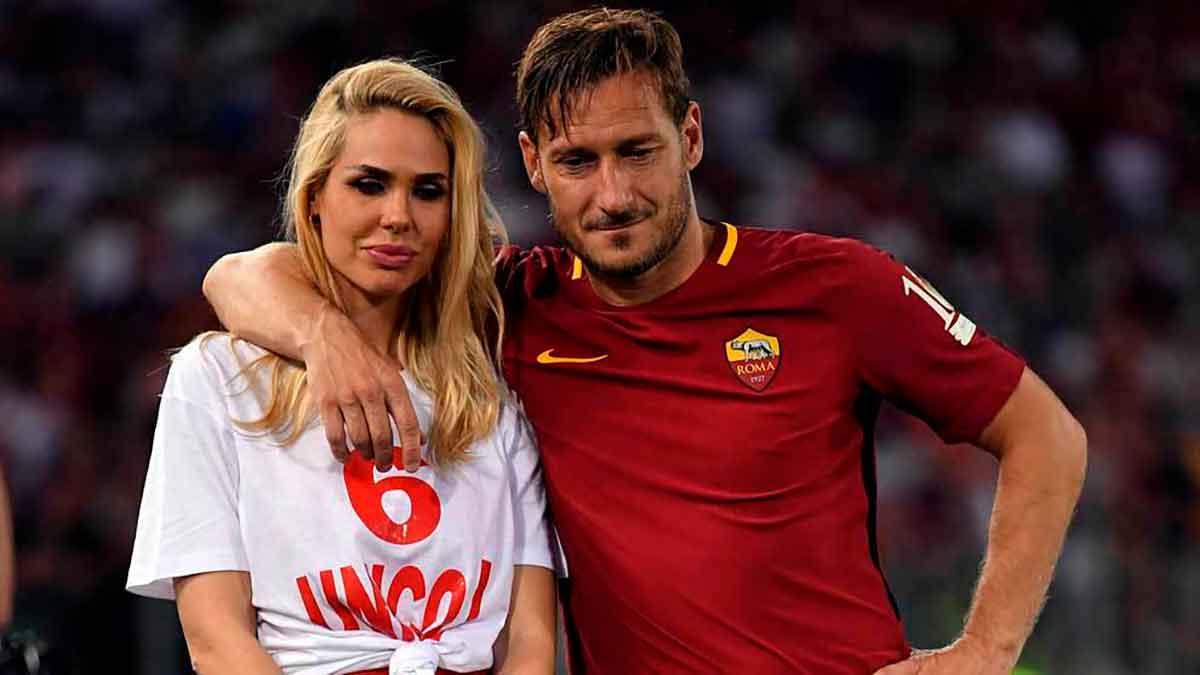 Totti con su mujer
