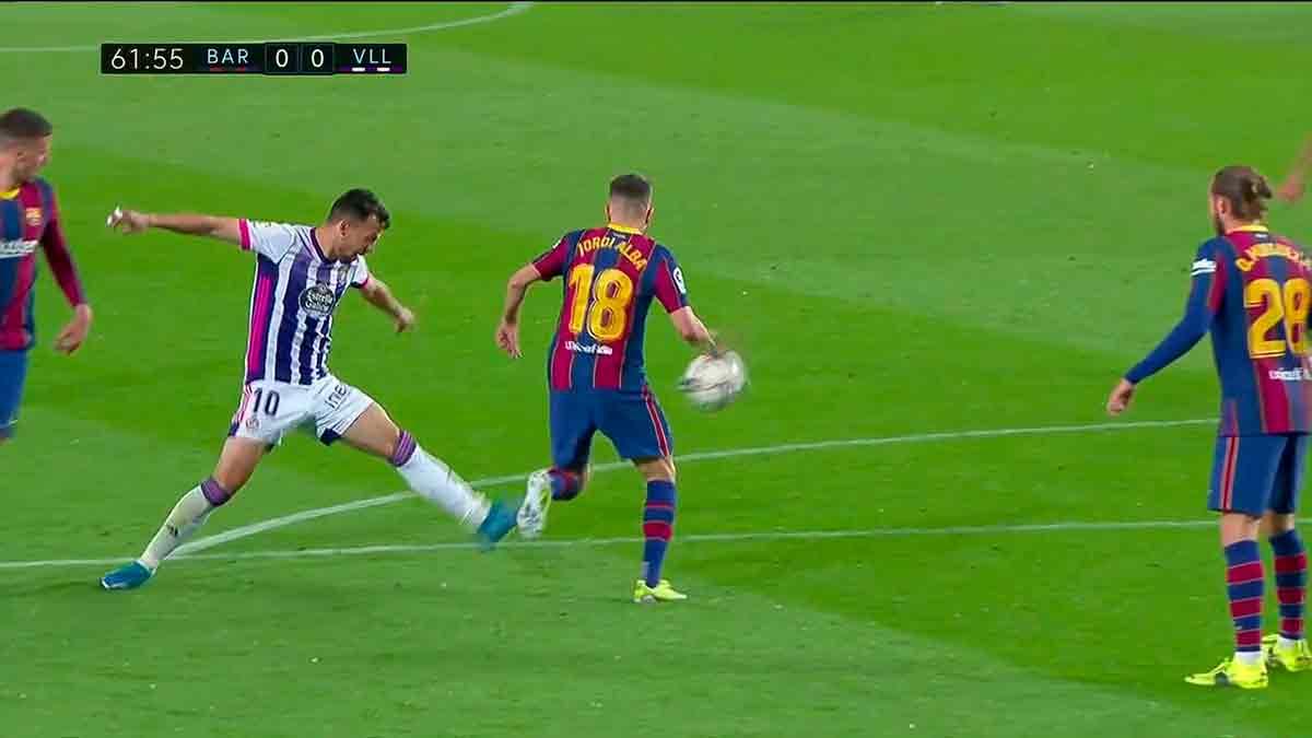 Jordi Alba penalti mano Valladolid