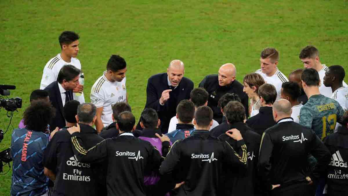 Zidane charla de grupo