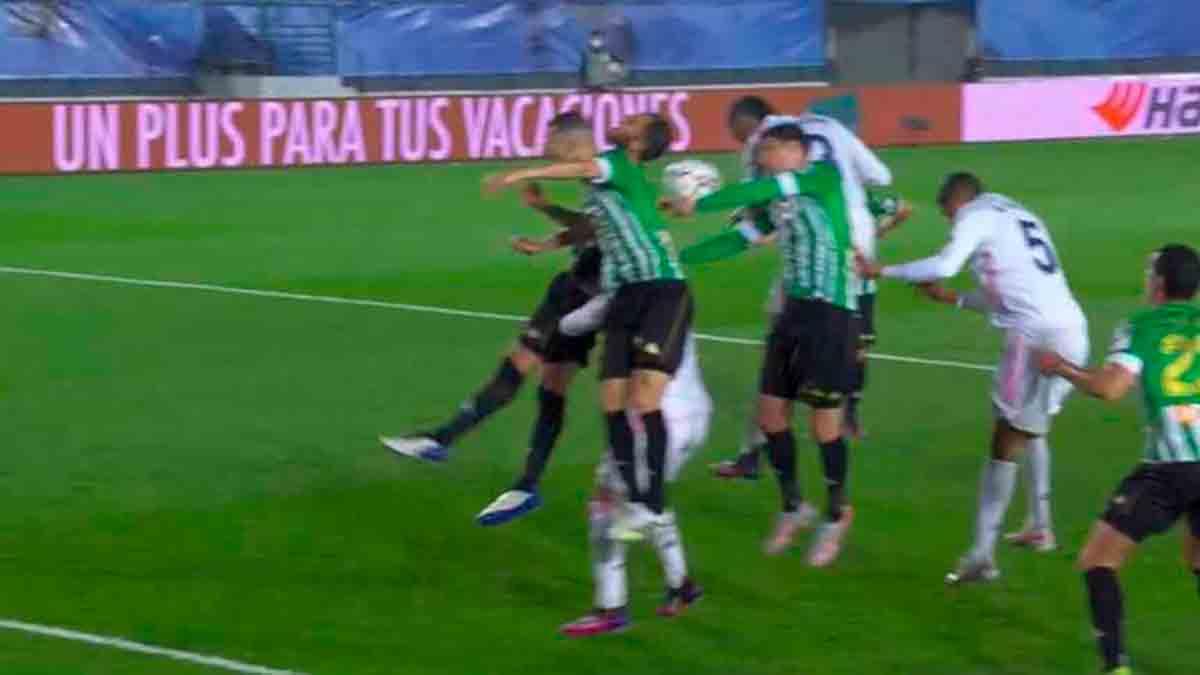 Penalti Betis