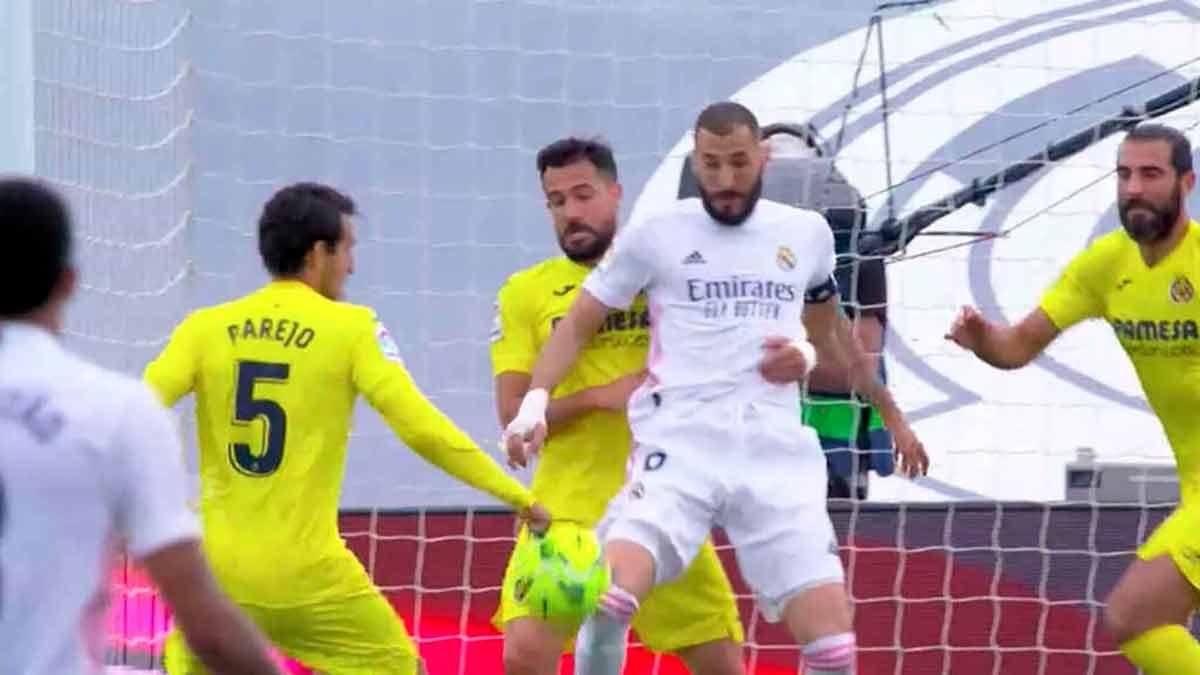 Penalti Parejo