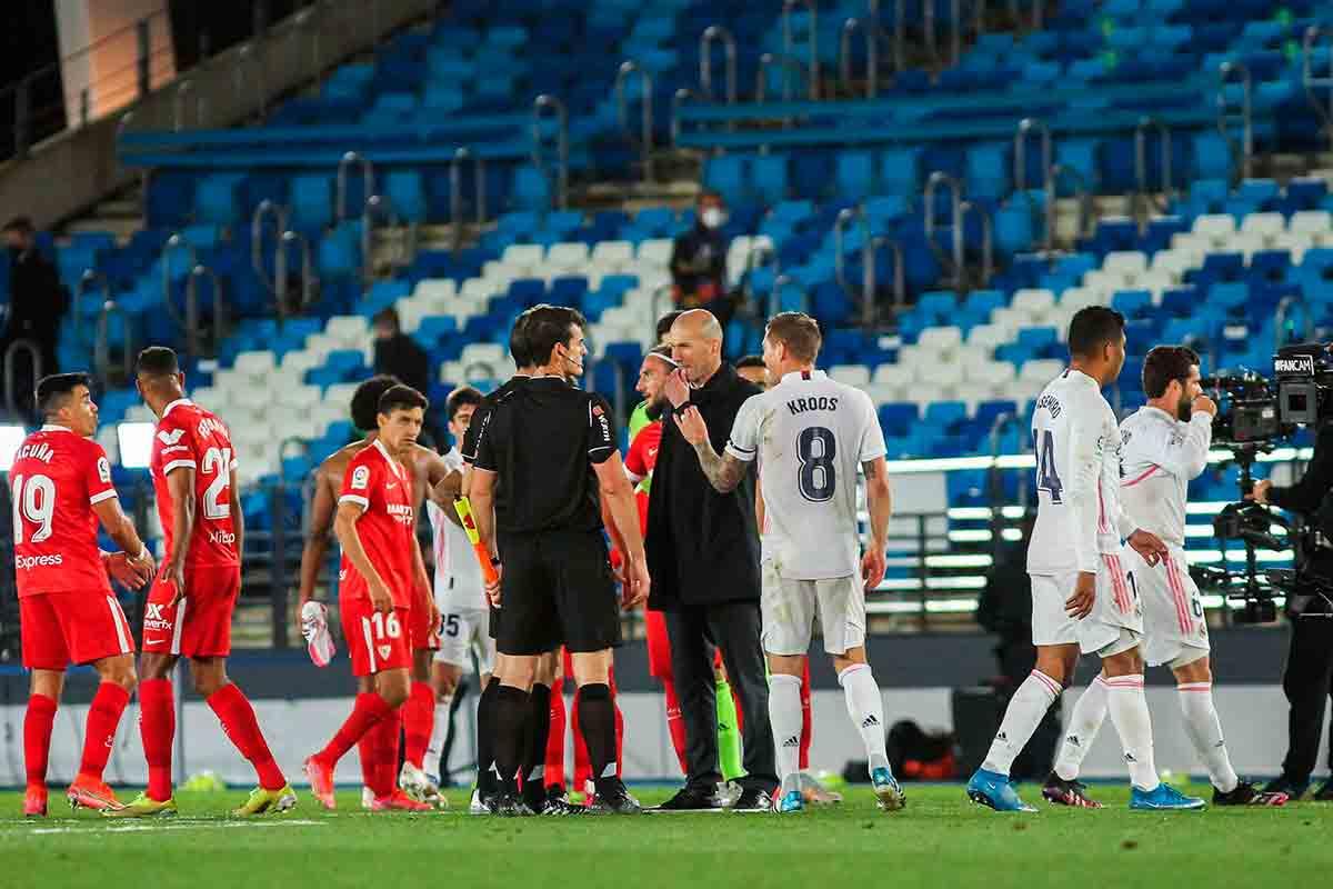 Martínez Munuera robo Zidane Kroos