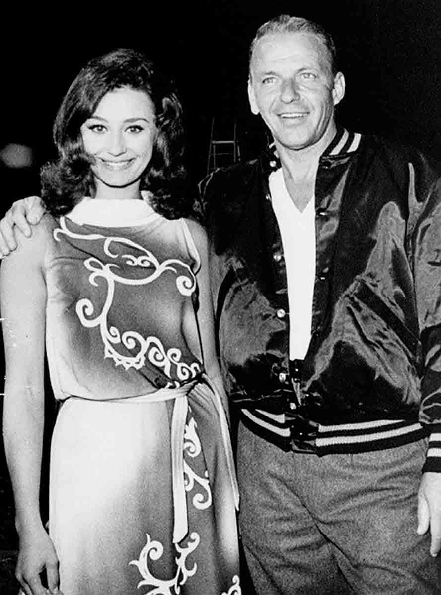 Raffaella Carrá y Frank Sinatra