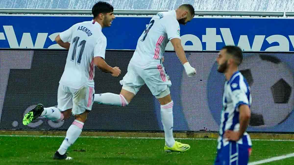 Benzema y Asensio contra el Alavés
