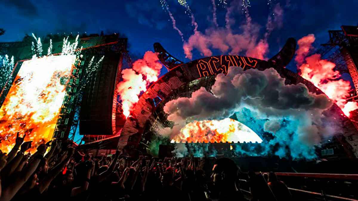AC/DC escenario
